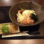 真邑 - 料理写真:冷し梅うどん 690円