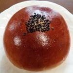 秋吉ファームガーデン  ベーカリー - 料理写真:つぶあんぱん(160円)