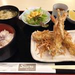 シュークレー - 海老のじゃがパリ揚げ定食