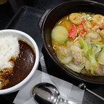 46167346 - 海鮮と野菜たっぷりのちゃんこラーメン930円                       セットでミニカレー(ビーフ)+200円