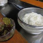 黒嶽荘 - 炭酸素麺
