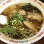 徳翔楼 - ワンタン麺