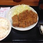 とんかつ まるや - 700円税込 2016.1