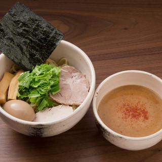 つけ麺¥800辛つけ麺¥900大盛り無料!