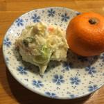 大山屋 - ポテトサラダとフルーツ