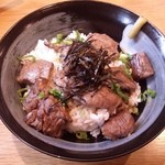 カフェマコト - 肉が軟らかな「糸島黒毛和牛のステーキ丼」です。