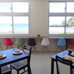 ちゅら海カフェ かふぅ - テーブル席