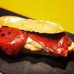 フェルミンチョ ボカ - 限定5皿 イベリコ豚ロースと ピキージョピーマンのボカディージョ