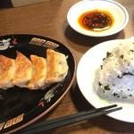 ラーメン臥龍 - お昼のセットメニュー(ギョーザセット¥780-)