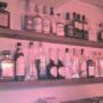 ジラフ - お酒の棚です