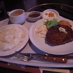 肉料理の八段 - ランチステーキ定食