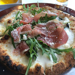46202480 - pastaかpizzaから一品選べます(^^)                       モッツァレラ、リコッタチーズ、バジリコとルーコラセルバチカとプロシュートを乗せたピッツァ ビアンカネーヴェ …品名が長い( ̄Д ̄)ノ