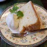 salon de thé Un Gâteau - バニラシフォンケーキ