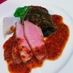 アーシュ・エム - クリスマスディナーコース フランス産小鴨むね肉のロースト 黒ロールキャベツ添え