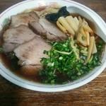 46209587 - ワンタン麺750円