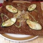 Cafe BIGOUDENE - 挽き肉のバター炒め、チーズ、茄子