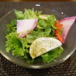 ステーキ・鉄板料理和かな - 食前のサラダ(ランチ)