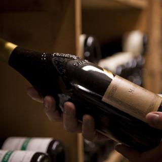 フランスの厳選したワイナリーから直輸入