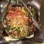 和風個室居酒屋 ありんこ酒場 - シャキシャキのサラダ。ごく普通のサラダですが丁寧に下ごしらえされてて、素材を味わえる一品です