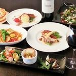 フレンチ&イタリアンバル Copine - 料理写真:新年会等のパーティー最適、飲み放題付きプランです。