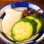 はり重カレーショップ - すき焼き丼(お漬物)