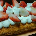 インフィオラーレ - 【2015年12月】苺のロールケーキを食べました。詳細はブログ「ミシュランごっこ。」をご覧下さい。