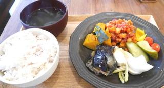AOBAYA - お惣菜5種 ランチセット(1080円)