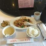 香港園 - 鶏肉カシューナッツ炒めランチ(1,782円)