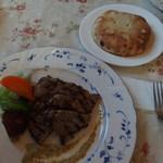 金沢とどろき亭 - (2016/01/03)能登豚ロース肉の塩糀漬グリル[パンorライス、サラダ付き]