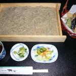 そば処 丸万 - 上天ぷら板そば(海老入り)