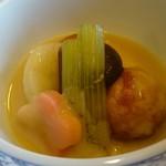 万松 - 料理写真:海老芋饅頭800円