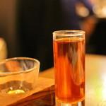 京鼎樓 - グラスで頂く紹興酒 ちっこいんですよ・・・