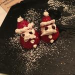 46246817 - クリスマスらしいデザートはこれ、                       向きはそっぽ向いてたのだ自分で寄せました。