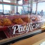 Pacific DRIVE-IN - 店内 スコーン☆