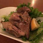 ニクジュウハチ - 鶏レバコンフィ燻製仕立て 500円。