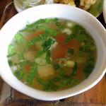 熱帯食堂 - 今日ののっけごはん≪パッガパオムーサップ≫(スープ)