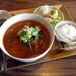 熱帯食堂 - 今週の麺ランチ≪クイッティオトムヤムガイ≫(ごはんsetで税別\900)