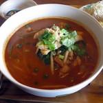 熱帯食堂 - 今週の麺ランチ≪クイッティオトムヤムガイ≫(トムヤムスープ麺のアップ)