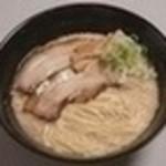 らーめん細川 本店 - 料理写真:元味680円。当店人気No.1!!濃厚な鶏ガラと豚骨のWスープ。