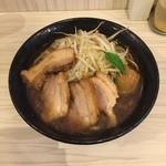 麺バカ息子 - 特製豚醤油ラーメン900円