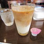 パナールコーヒー - アイスカフェラッテ300円