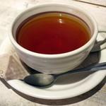 デラソウル シャルボン - パンケーキセット(ドリンクは紅茶をチョイス)
