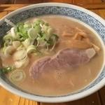 とんぴととりの光龍益 - ラーメン(塩煮豚) 700円(税込)