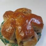 クリーブラッツ - くるみパン150円。