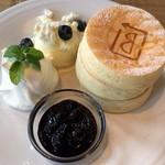 BURN SIDE ST CAFE CRAFT KITCHEN+  KUZUHA - ブルーベリーとリコッタチーズ