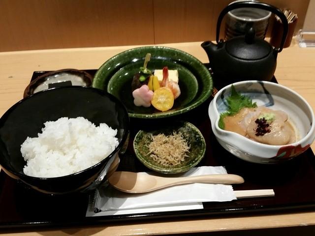 銀座うち山 銀座三越店 - 鯛茶(税込み1620円)