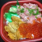 海の華 丼丸 - ウニネギトロいくら丼600円+ネタのみ大盛り200円(税別