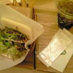 ライチャス - 黒胡椒醤の健味鶏サンド