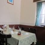 カウッパトリ - テーブル席