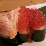 46286112 - てんこ盛り炙りトロ鮭イクラ寿司 2016.1